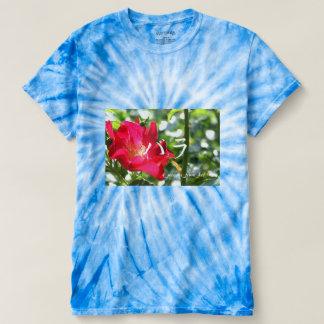 広島市にて撮影真っ赤なバラ~カタカナ文字入り T-Shirt