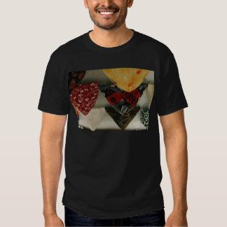 褌 Two T Shirts