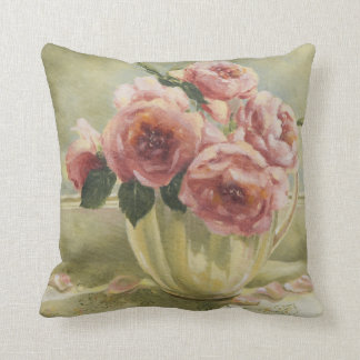 0437 English Roses in Pitcher Cushion