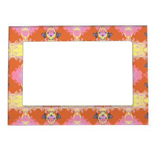 105.JPG MAGNETIC PICTURE FRAME