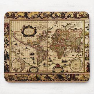 1635 World Map Mousepad