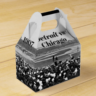 1907 Detroit v Chicago in panoramic Favour Box
