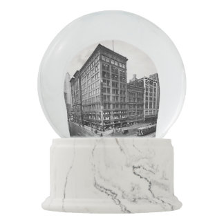 1917 - Woodward in Detroit on a Snowy Day Snow Globe