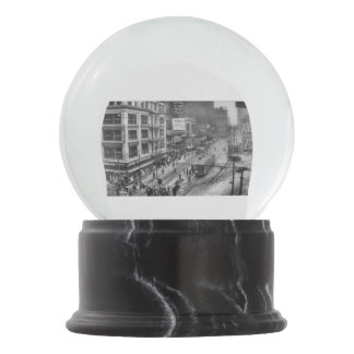 1920 - Griswold at Capitol Park Snow Globe