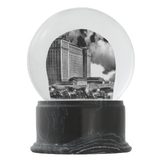 1925 - Michigan Central Depot Snow Globe