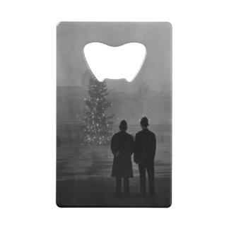 1948: Two policemen regard Christmas Tree