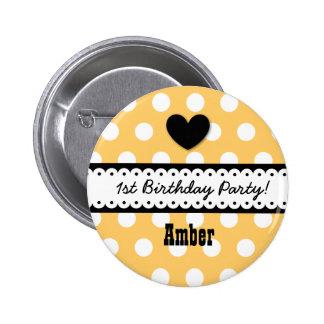1st Birthday Girl Heart and Scalloped Ribbon v2G 6 Cm Round Badge