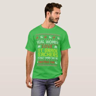 1st Grade Teachers Christmas Ugly Sweater Tshirt
