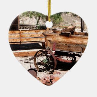 2010-06-26 C Las Vegas (189)abandoned_campsite2.JP Ceramic Heart Decoration