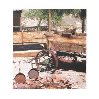 2010-06-26 C Las Vegas (189)abandoned_campsite2.JP Notepad