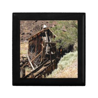 2010-06-26 C Las Vegas (210)desert_cabin.JPG Gift Box