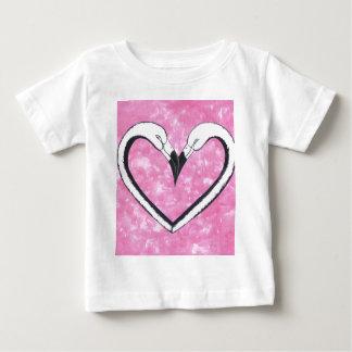 2 Flamingo kiss heart T-shirts