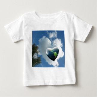 2heartworld baby T-Shirt