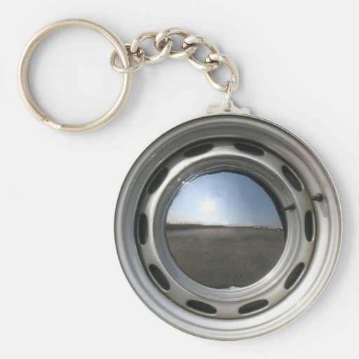 356 Classic car wheel (rim) with chrome hubcap Keychains
