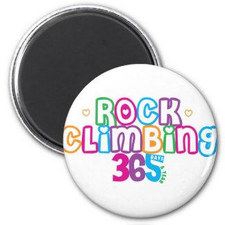 365 Rock Climbing 6 Cm Round Magnet