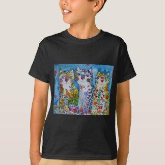 3 happy cats T-Shirt