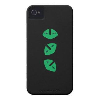 3 Vertical Alien Heads Case-Mate iPhone 4 Case