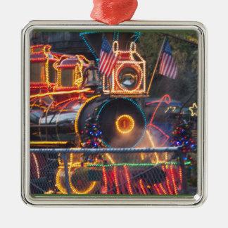 416110sq.jpg metal ornament