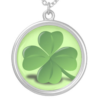 4 leaf clover round pendant necklace