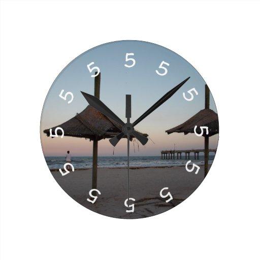 5 o'clock Beach Theme Wall Clock