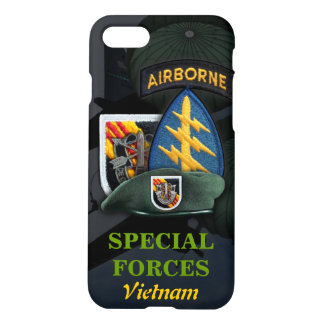 5th special forces green berets vietnam nam war iPhone 8/7 case