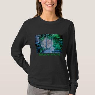 652181-R1-21Touchup, Seeker of beauty T-Shirt