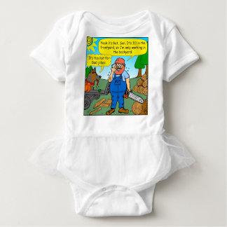 899 111 in front yard bad dad joke cartoon baby bodysuit