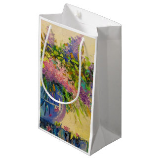 A bouquet of lilacs small gift bag