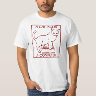 A cat resets a computer T-Shirt