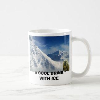A COOL DRINK WITH ICE BASIC WHITE MUG