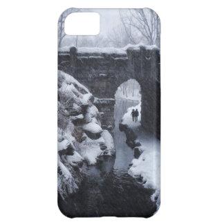 A Couple Walking Under a Snowy Glen Span Arch iPhone 5C Case