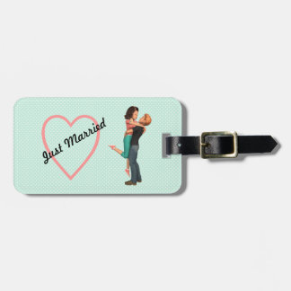 A Cute Romance: Sweethearts Embrace (Personalized) Luggage Tags