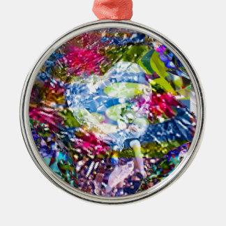 A diamond heart shines on the pond metal ornament