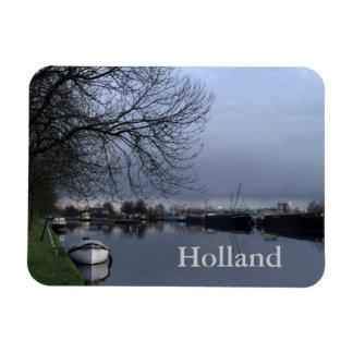 A Dutch canal Magnet