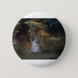A Haunted Tale in Dahlonega 6 Cm Round Badge