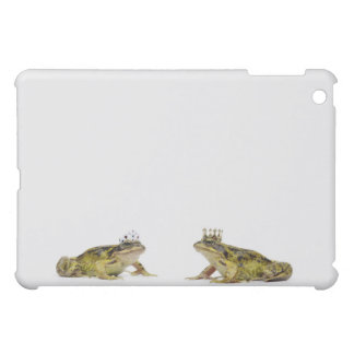 a king and queen frog looking at each other iPad mini covers