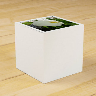 A Large Single White Calla Lily Flower Favour Boxes