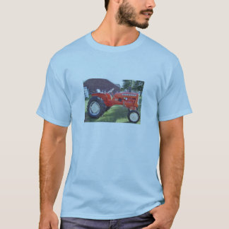 A Real Man's Machine - 1967 Allis-Chalmers Tractor T-Shirt