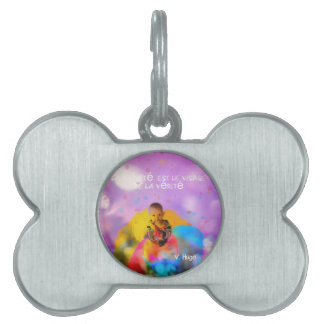 A rose lodges a child in spring pet name tag