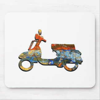 A SCOOTING ALONG MOUSE PAD