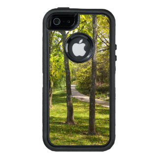 A Stroll in the Park OtterBox iPhone 5/5s/SE Case