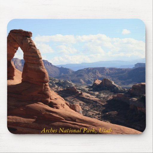 A view of Delicate Arch, Arches National Park, ... Mousepad