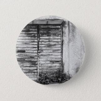 Abandoned shop forgotten bw 6 cm round badge