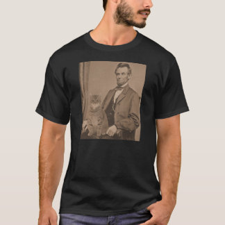 """Abraham Lincoln and his cat """"Gloria""""  3 T-Shirt"""
