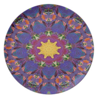 Abstract Art Purple Radiating Pattern Plate