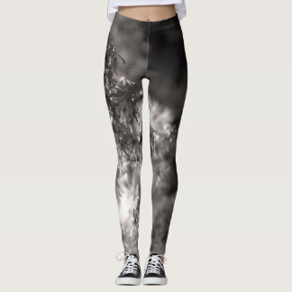 Abstract black and white flower pattern leggings