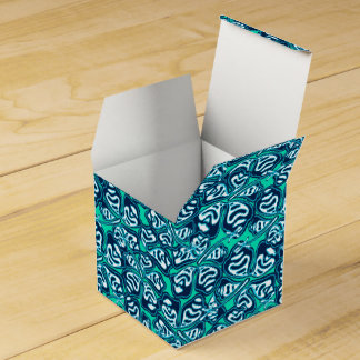 Abstract green tropical floral favour box