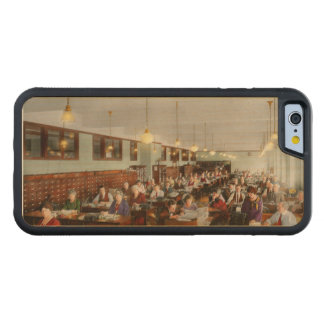 Accountant - Workaholic 1923 Carved Maple iPhone 6 Bumper Case