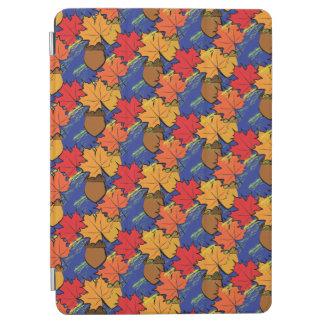 Acorns and leaves I iPad Air Cover