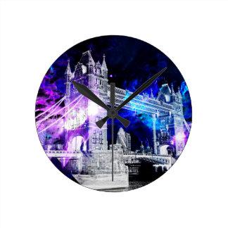 Ad Amorem Amisi London Dreams Round Clock